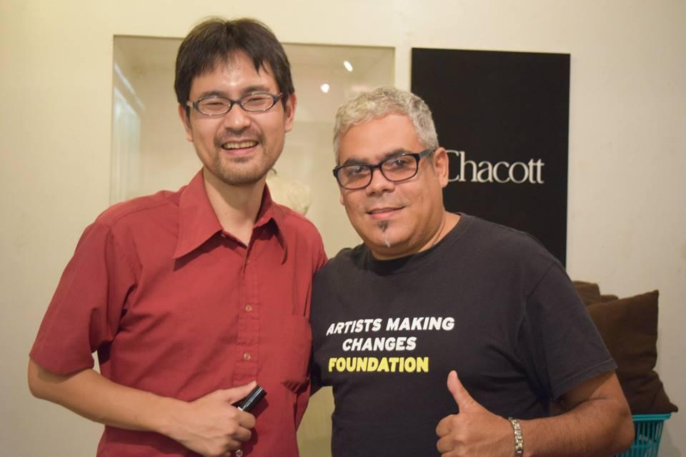 高橋監督とキューバのサックス奏者、セサル・ロペスさん